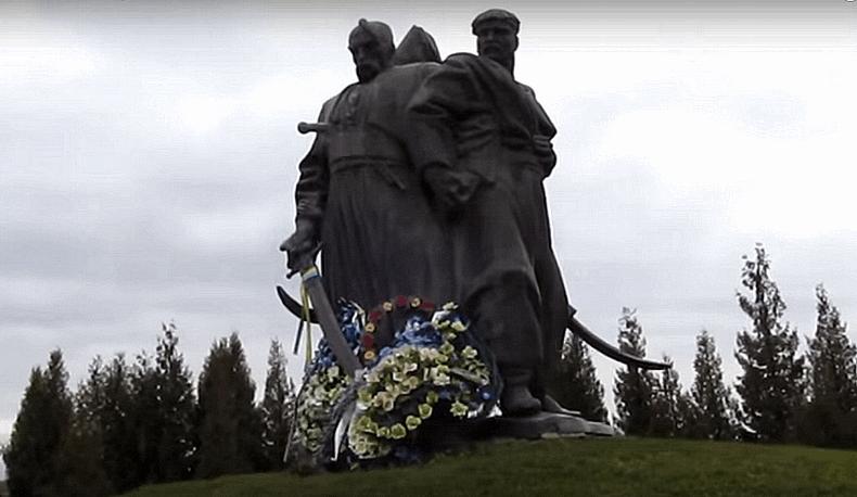 Берестечко, Козацькі могили